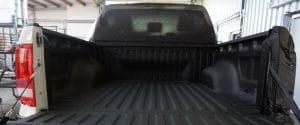 Die Beschichtung der Ladefläche ist durchgeführt, der Pick-up muss nur noch ausgepackt und fertigmontiert werden.
